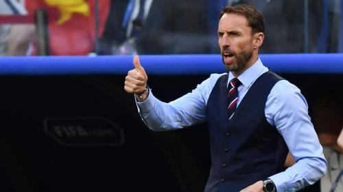 """Coupe du monde 2018 : les Britanniques se ruent sur le veston du sélectionneur des """"Trois Lions"""" pour soutenir leur équipe"""