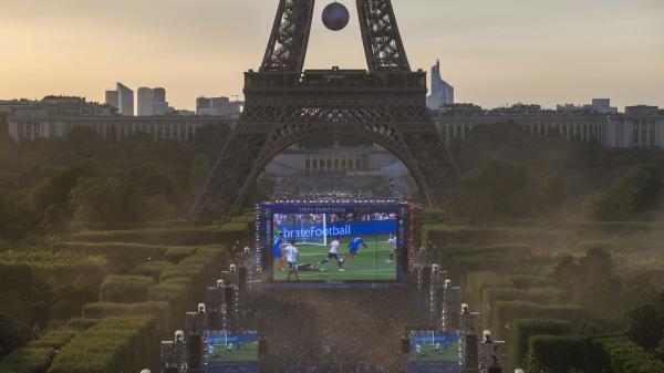Fouilles, caméras, restrictions de circulation... Voici l'important dispositif de sécurité prévu à Paris pour le 14-Juillet et la finale de la Coupe du monde