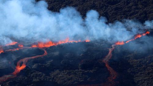 A La Réunion, le piton de la Fournaise entre une nouvelle fois en éruption