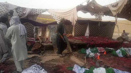 Pakistan : au moins 128 morts dans un attentat suicide contre un meeting électoral