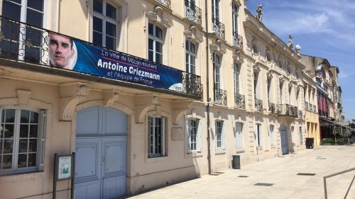 """""""Il mérite sa place, c'est beau ce qu'il fait"""":à Mâcon, Antoine Griezmann fait la fierté des habitants de sa ville natale"""