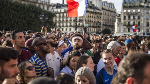 """Coupe du monde 2018 : """"Si la France gagne""""... Les défis loufoques des supporters des Bleus avant la finale face à la Croatie"""