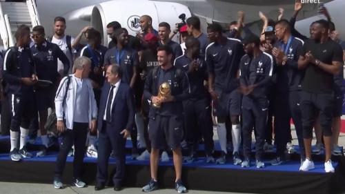 VIDEO. Coupe du monde 2018 : revivez l'arrivée triomphale des Bleus sur le tarmac de Roissy Charles-de-Gaulle