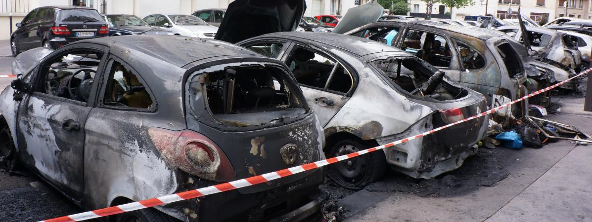 ma france: festivités du 14-juillet : 845 voitures brûlées en france