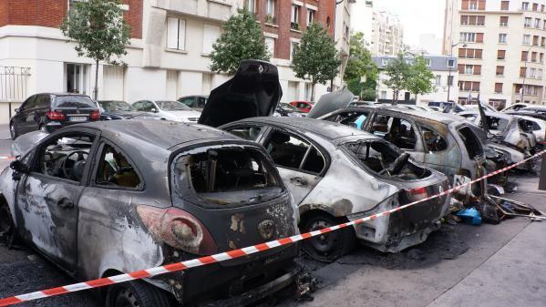 Festivités du 14-Juillet: 845voitures brûlées en France, 508personnes placées en garde à vue