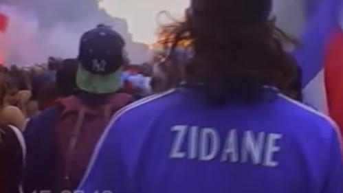 VIDEO. Coupe du monde : il donne un air de 1998 à la victoire des Bleus en filmant la fête à Paris en VHS