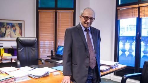 Le président de la Commission des comptes de campagne augmenté, une association anticorruption saisit Matignon