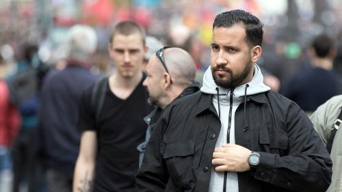 DIRECT. Affaire Alexandre Benalla : le collaborateur de l'Elysée était dans le bus des Bleus lors du défilé sur les Champs-Elysées
