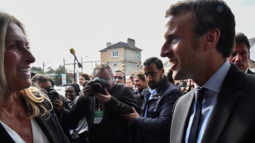 VIDEO. Quand Alexandre Benalla distribuait des cartes de visite pour le président de la République