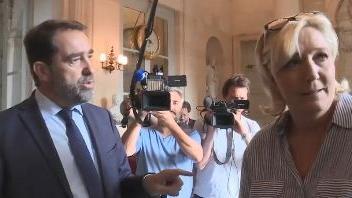 VIDEO. Affaire Benalla : Marine Le Pen et Christophe Castaner s'écharpent dans les couloirs de l'Assemblée nationale