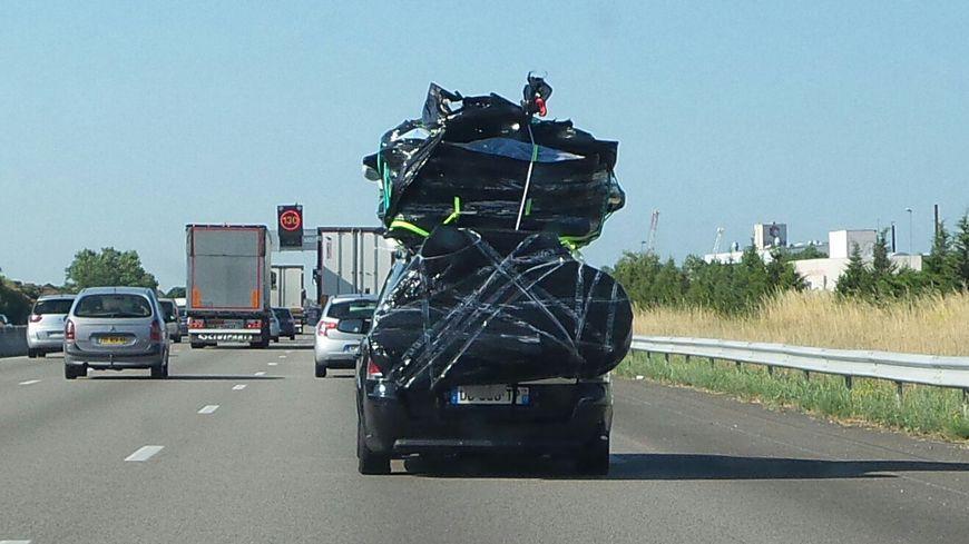 l 39 auto bien charger sa voiture pour prendre la route en toute s curit. Black Bedroom Furniture Sets. Home Design Ideas