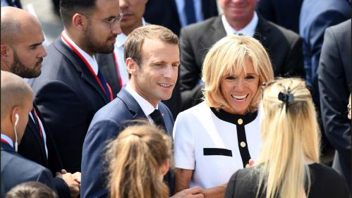 """EN IMAGES. """"Je n'ai jamais été l'épaule d'Emmanuel Macron"""", affirme Alexandre Benalla : de la campagne à l'Elysée, il était pourtant omniprésent à ses côtés"""