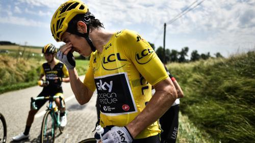 VIDEO. Tour de France : la course interrompue une dizaine de minutes après un jet de gaz lacrymogène