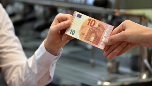 """Commerces : le """"cash back"""" ou comment retirer de l'argent à la caisse"""