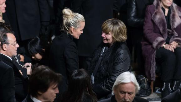 Michèle Marchand avec Laeticia Hallyday, lors des funérailles de Johnny Hallyday, le 8 décembre 2017.