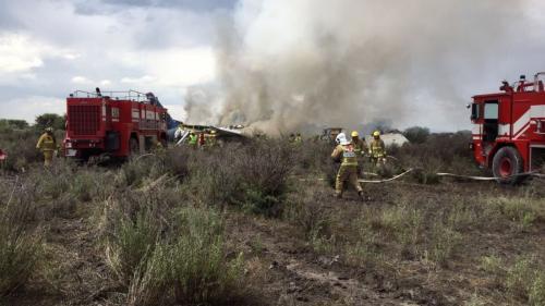 Mexique : un avion de ligne s'écrase au décollage, 80 blessés
