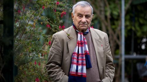 """L'ancien résistant Arsène Tchakarian, dernier survivant du """"groupe Manouchian"""", est mort à l'âge de 101 ans"""