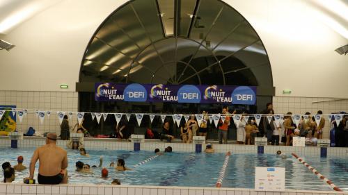 """Hauts-de-Seine : à Puteaux, """"quand on dépasse les 25 degrés, la piscine est accessible aux habitants et aux abonnés"""" seulement"""
