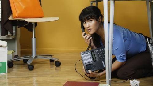 """""""J'essaie de me sauver quand ça sonne"""" : quand la phobie du téléphone rend la vie impossible"""