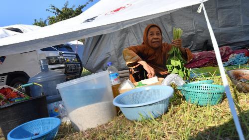 Indonésie : plus de 70 000 personnes sans domicile après le séisme