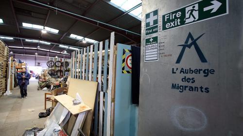 """Harcèlement policier de bénévoles à Calais: des agissements """"extrêmement compliqués à faire sanctionner"""""""