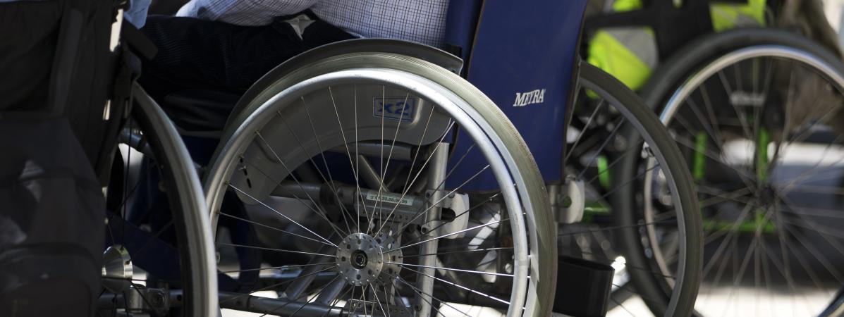 Handicap Et Discrimination Le Gouvernement Donne Des Signes