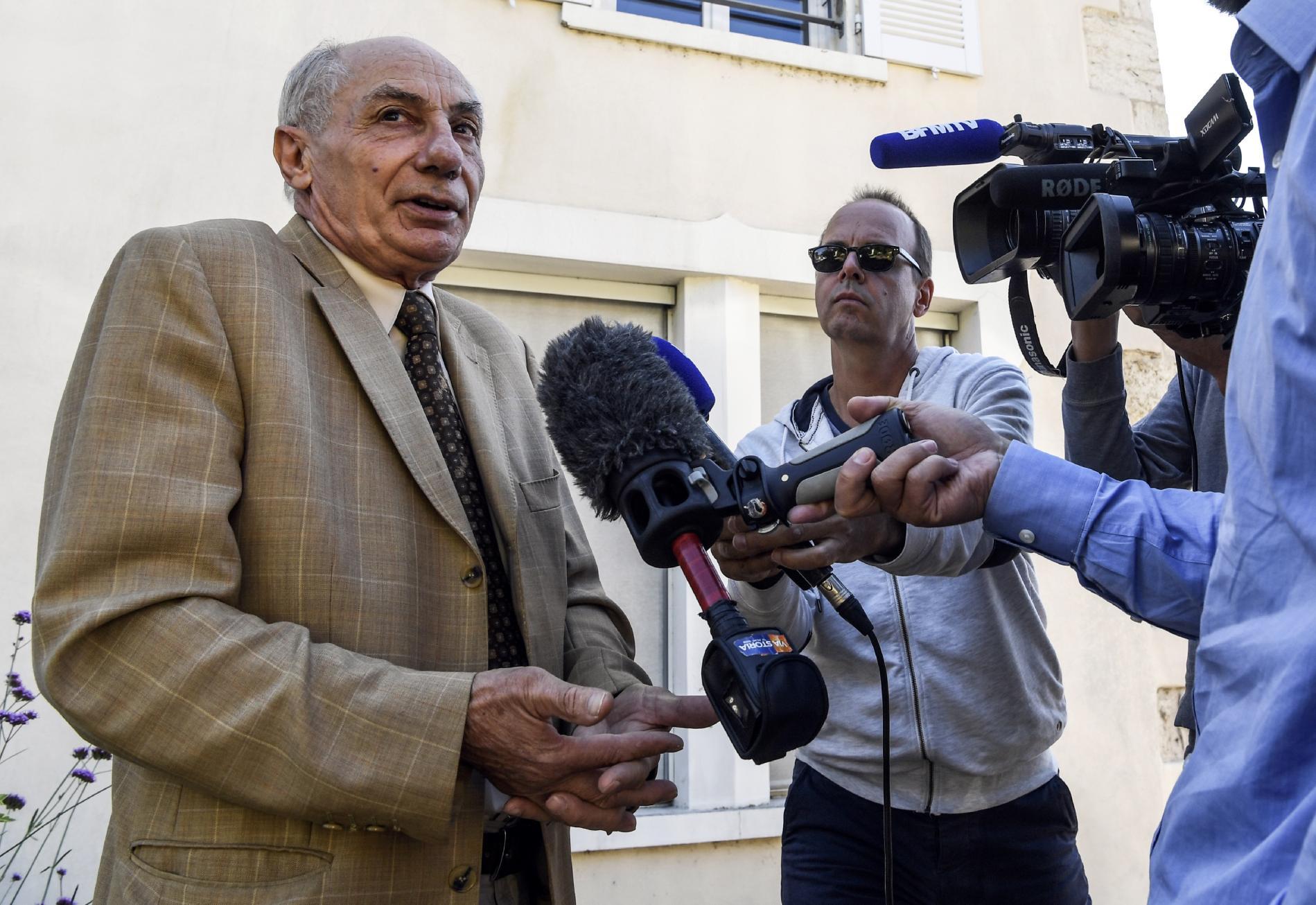 L\'avocat Bernard Méraud répond aux journalistes le 4 septembre 2017 à Morestel (Isère).