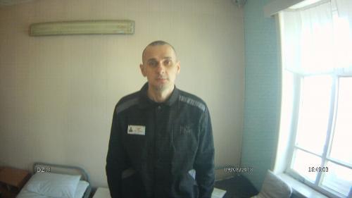 """Le cinéaste ukrainien Oleg Sentsov, en grève de la faim, est """"prêt à mourir"""", selon son avocat"""