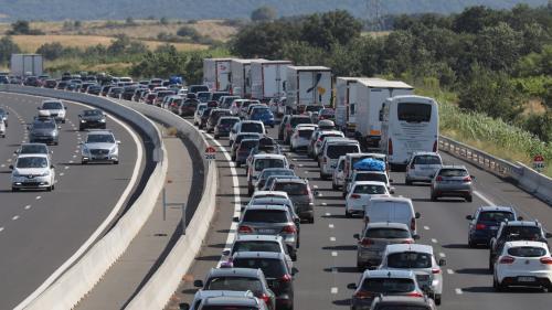 DIRECT. Vacances : après le pic de 646 km de bouchons cumulés à midi, la circulation reste difficile