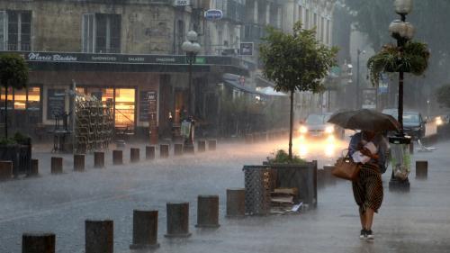 Orages dans le sud de la France : l'alerte orange étendue à quinze départements