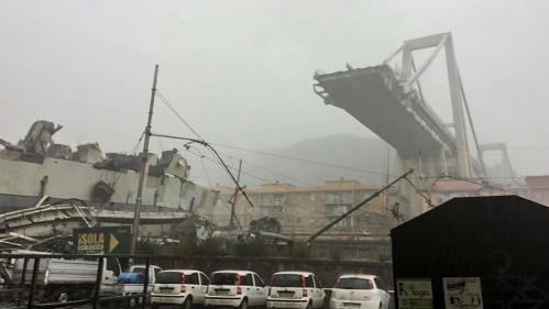 """VIDEO. """"Oh, mon dieu"""" : l'effondrement du viaduc de Gênes filmé en direct"""