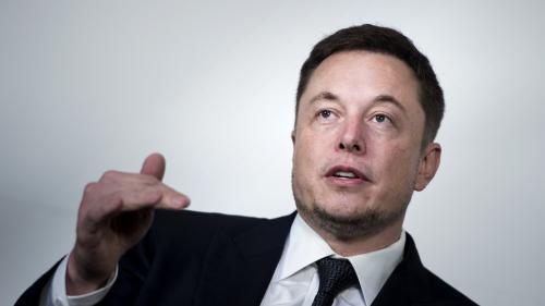 Elon Musk, le fondateur de Tesla, veut retirer son entreprise de la Bourse