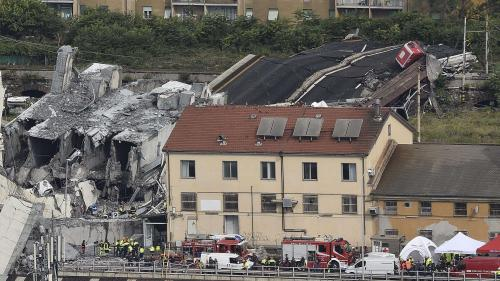 """Viaduc de Gênes : """"A cette heure, aucune victime française n'a été identifiée"""", affirme Jean-Yves Le Drian"""