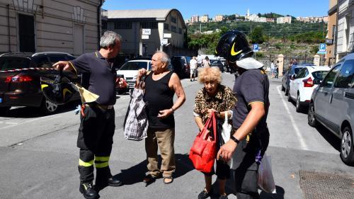 """""""Quand je passais sur ce pont, j'accélérais"""" : à Gênes, la colère des sinistrés après l'effondrement du viaduc"""