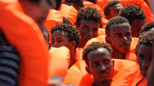 """A bord de l'""""Aquarius"""", les rescapés ont été les derniers à apprendre que Malte acceptait de les voir débarquer"""