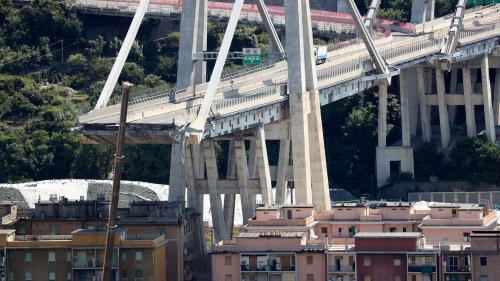 """VIDEO. """"Notre vie s'est effondrée"""" : les voisins du pont résignés après le drame de Gênes"""