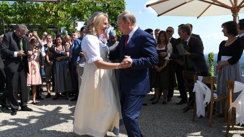 Autriche : la présence de Vladimir Poutine au mariage de la chef de la diplomatie fait polémique