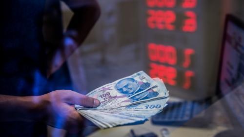 """Crise monétaire en Turquie : """"Certains prix augmentent plusieurs fois par semaine, j'ai peur que ça ne s'arrête jamais""""   https://www.francetvinfo.fr/monde/turquie/crise-monetaire-en-turquie-certains-prix-augmentent-plusieurs-fois-par-semaine-"""