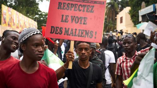 """""""Il y a eu une mascarade électorale"""" : au Mali, des opposants manifestent contre les résultats de l'électionprésidentielle"""