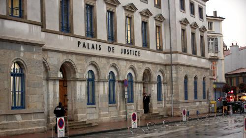Agression au couteau à Saint-Paul-Trois-Châteaux : le suspect mis en examen pour meurtre et tentative de meurtre