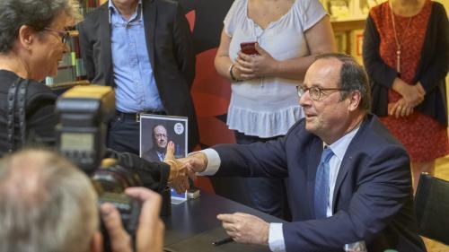 """""""Je ne suis candidat aujourd'hui à rien"""", assure François Hollande"""
