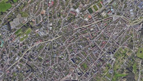 Doubs : un maire utilise Google Earth pour traquer les piscines non déclarées de ses administrés
