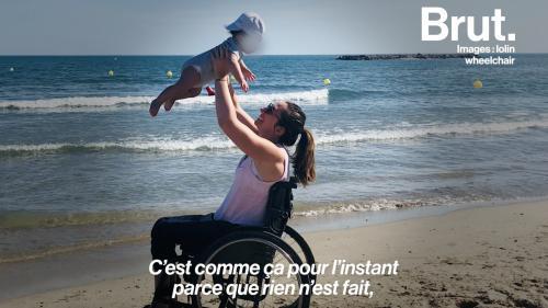 """VIDEO. """"Il faut toujours fabriquer, bidouiller, bricoler""""... Le quotidien d'une maman en fauteuil roulant"""