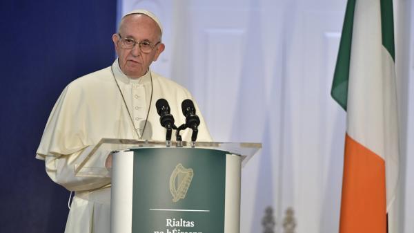 nouvel ordre mondial | Visite du pape : l'Irlande demande justice