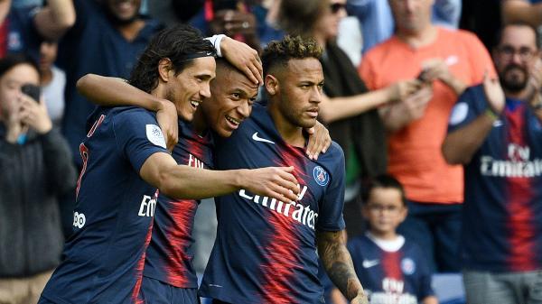 Ligue 1 : pour le retour de Cavani, le PSG s'impose 3-1 face à Angers
