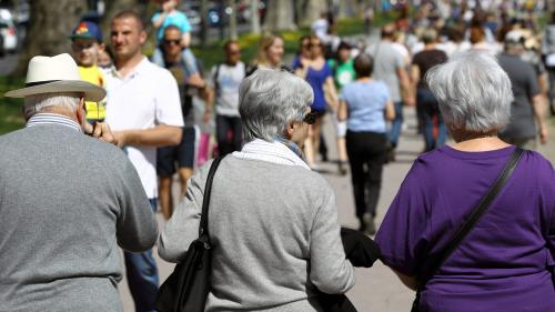 Seniors : sans retraite, ni travail