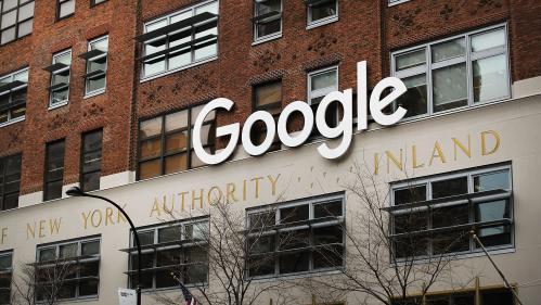 """Accusé de censure par DonaldTrump, Google dément toute """"manipulation politique"""" de son moteur de recherche"""
