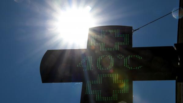 franceinfo junior. Pourquoi a-t-on battu des records de chaleur cet été ?