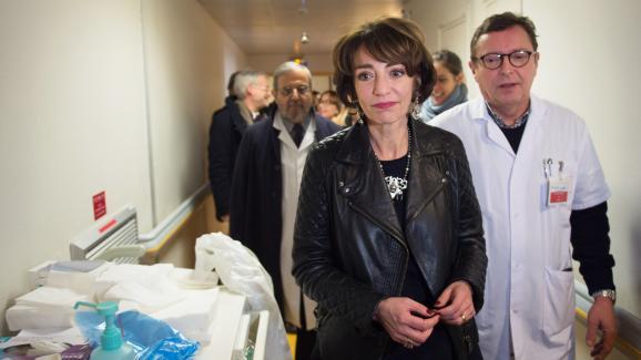 Marisol Touraine, alors ministre de la Santé, à l\'hôpital Sainte-Périne à Paris, le 17 janvier 2017.