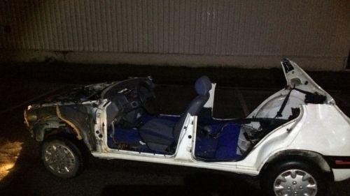 nouvel ordre mondial | Nantes : un adolescent de 16 ans tente de semer la police dans une voiture sans toit, sans coffre, sans capot...